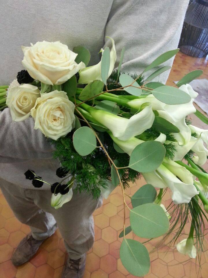 Bouquet mariee arum beautiful bouquet pivoine rose et for Livraison fleurs rennes