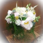 Bouquet de mariée pivoine et plante grasse Hé fleur et moi fleuriste de Valenciennes
